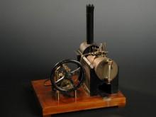 Müködő fekvő kazánú játék gőzgép